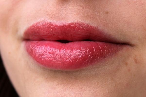 Revlon Lip Butter (Candy Apple)