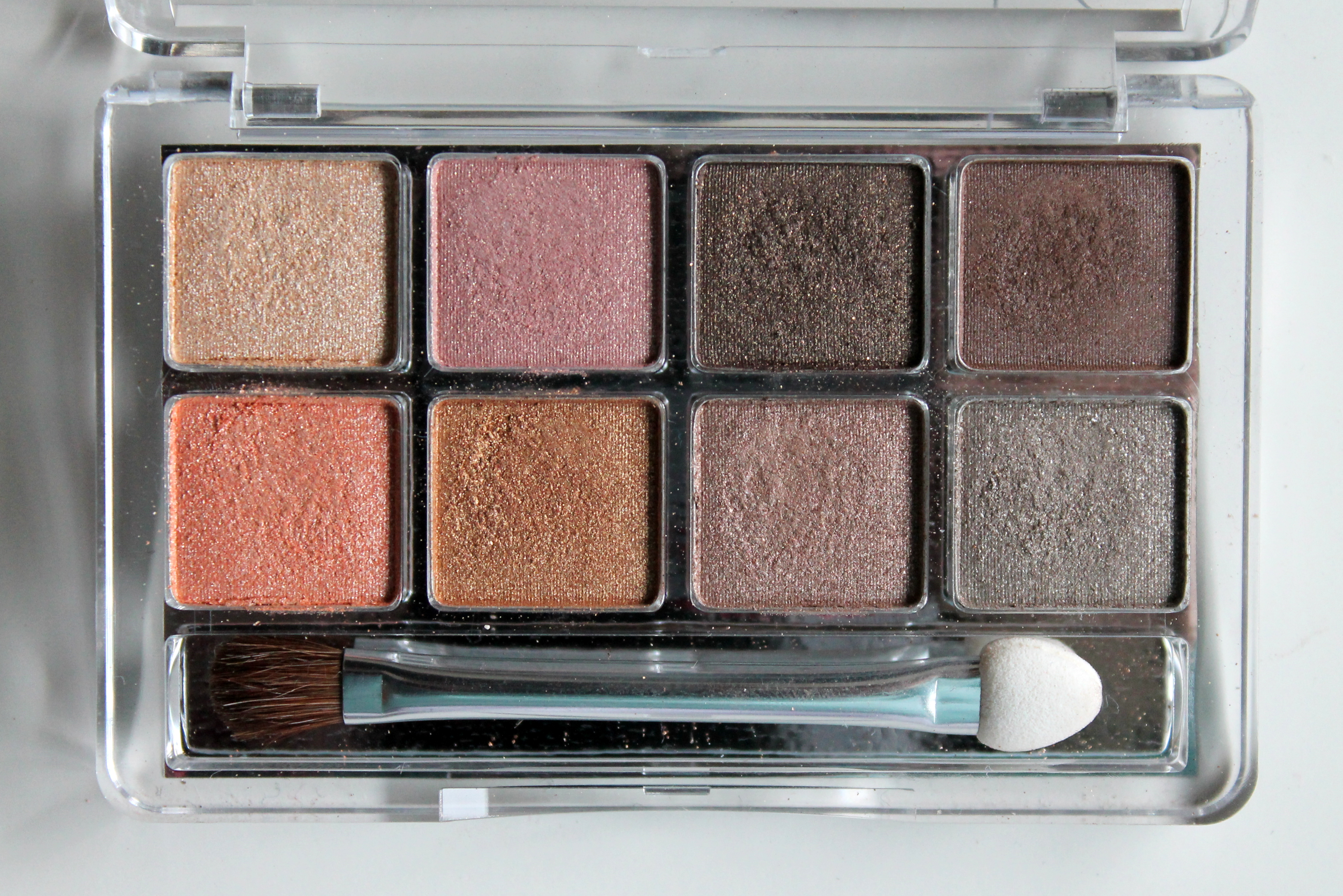 Review: Essence Sun Club Eyeshadow Palette | Make Up Your Mind