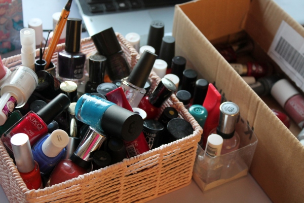 Sorting out my nail polish stash!