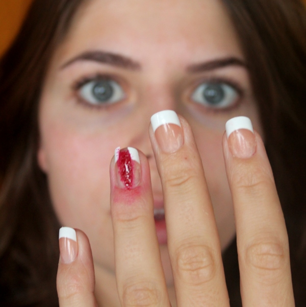 Halloween NOTD: I ripped off my nail!!