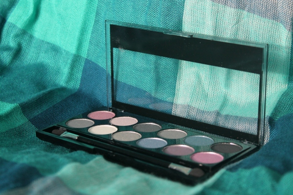 Review: MUA Starry Night Eyeshadow Palette